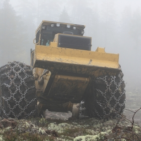 SuperStud-190-Kette-an-TigerCat-Skidder