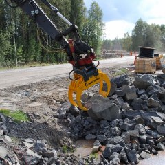 PHILIPP ForstWerkzeuge HULTDINS MultifunktionsgreiferMultigrip beim Steinumschlag