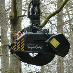 PHILIPP ForstWerkzeuge INDEXATOR Forst Rotator für Holzgreifer G 141-Y mit HULTDINS SuperSaw 550 S Easy Connect